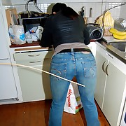 A quick quartering in the kitchen - Jilt her Jeans
