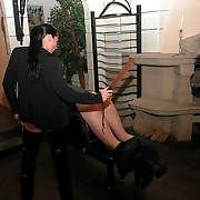 Stunning rapscallion bitch punishes poor guy yon hammer away cellar
