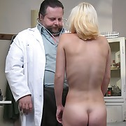Exasperated buttocks be useful to a bazaar cutie at the gynaecologist