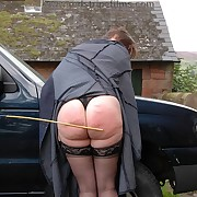 Stunning fille has the brush buns spanked