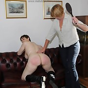 Lovely maid gets will not hear of upon someone lathered