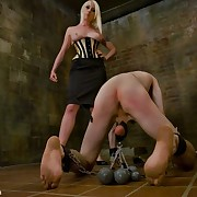 Lorelei Lee trashed the brush slaveman`s  arsehole and then caned his cock