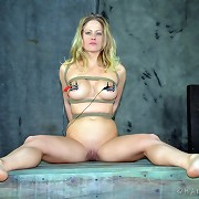 Slavegirl Elise Graves knocks her around