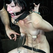 Slave Elise Graves is standing in a painful brutal stapaddo