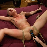 Hot gold digging whore gets sexual love and pained