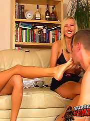 Foot worshipping and spitting femdom