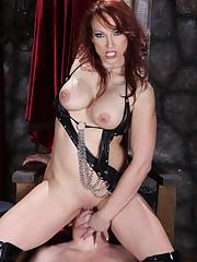 Hot mistress sat on slave's face