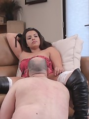 Totally shaved pussy was licked by good slave.
