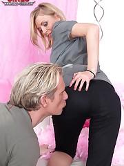 Blonde dominatrix get her ass kissed