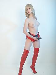 Mistress wears big strapon