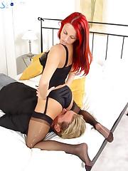 Redhead misrtess sat on slave