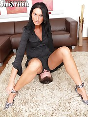 Hot lady boss wants her male secretary smother under her