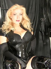 UK Mistress worn in latex