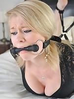 Fastened Virgin gal Mia is hogtied