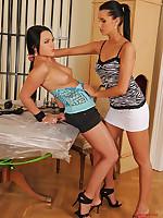 Kinky sweethearts Frida & Melissa Ria's sexy vassalage lesbo action