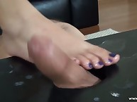 Mistress giving slave foot venture
