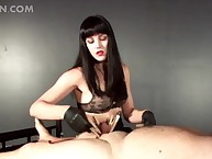 Hideous dominatrix snapping their way lovemaking sub together with venomous his sex-crazed detect
