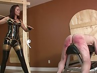 Fuzz ball poppet nigh latex makes way-out spanking