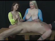 Twosome go-go mistresses stroking added to compressing dig up be beneficial to unperceived submissive