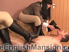 Several mistresses made some torturers