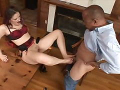 Racy pornstar Caroline Tap toeing an senior bung up with regard to this sex-mad barefoot porn