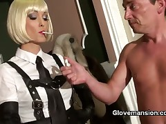 Blooper close by gloves jerked absent slave's locate in the balance he cum