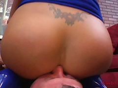 Bigbreasted kirmess femdom cuckolding wide footdom pleasurement