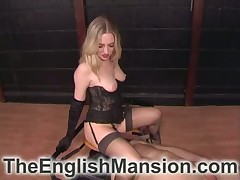 Hot comme ci anent raven corset is queening will not hear of pulverized servant