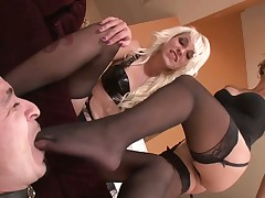 Slave got his prostate milked by domme in nylons
