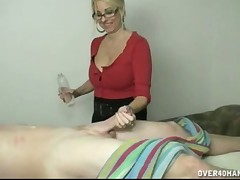 Skilled MILF Dallas Diamondz performs excellent handjob till jizzing