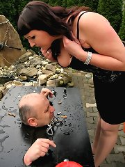 Outdoor femdom session