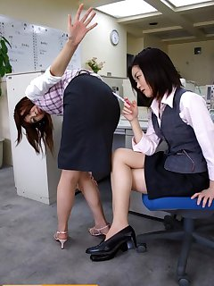 <!–-IMAGE_COUNT-–> of Bad girl spanked by ruler in office