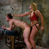 Big a-hole female-dominator stuffs his face with ASS